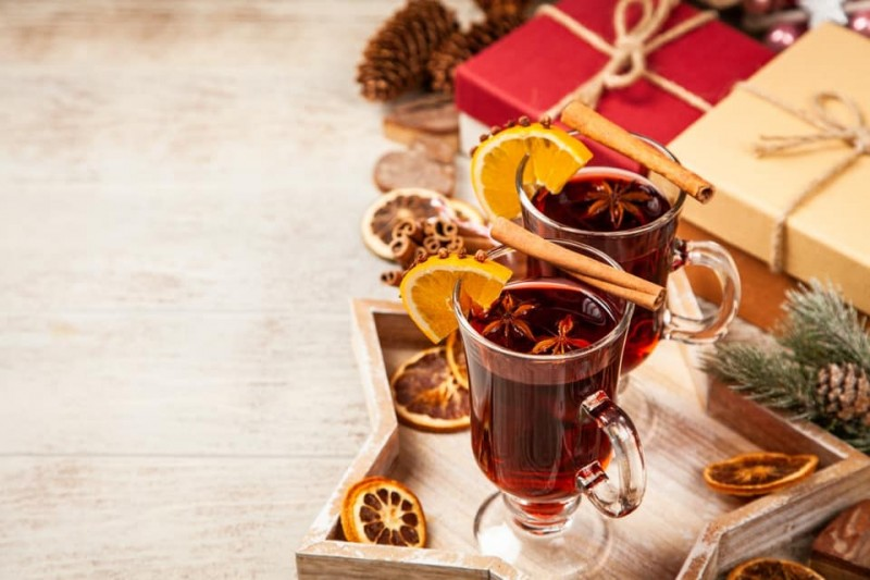From Mulled Wine to Mistletoe